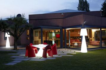 Pivot outdoor lamp - slide design